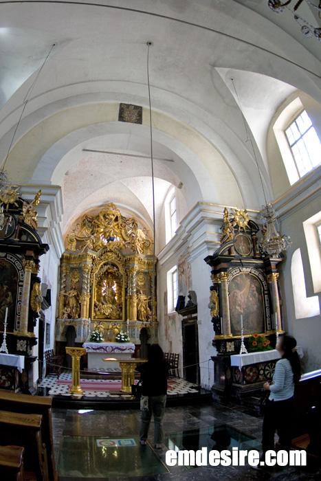 cerkev2.jpg
